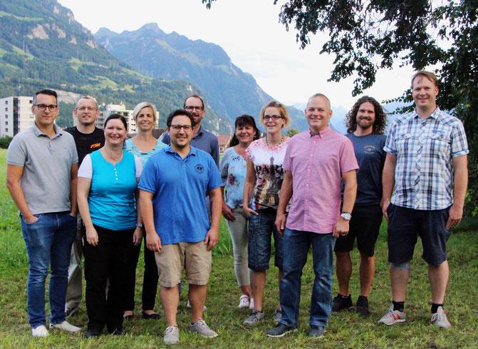 August 2020: Die Mitglieder der Jugendkommission  v.l.n.r.: D.Karahodzic, A.Lüönd, J.Reichmuth, S.Liniger, GR V.Gallicchio, T.Ziegler, C.Mettler, S.Betschart, E.Kündig,  M.Hediger, M.Räber