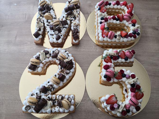 Number Cake 25 ans / Letter Cake initiales M et B Parfums : Fruits rouges et Kinder