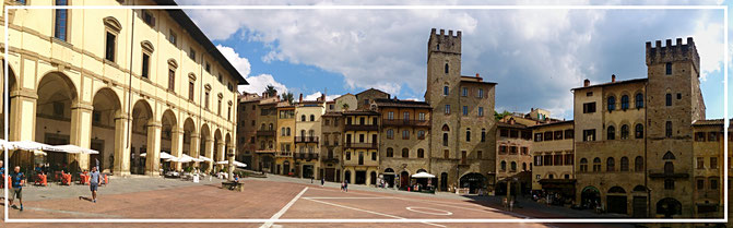 Italien, Urlaub, Toskana, Arezzo, Dorf, bunt, Sonne, historische Altstadt, Mittelalter, mittelalterliche Stadt, Velotraum, Radfahren, Radreisen,