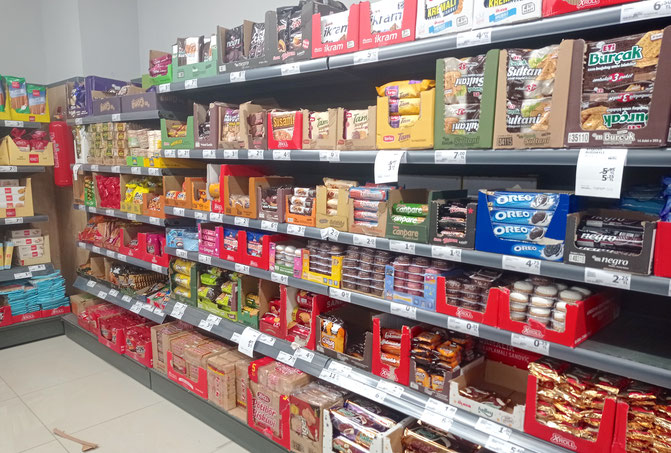 Süßigkeiten in einem türkischen Supermarkt