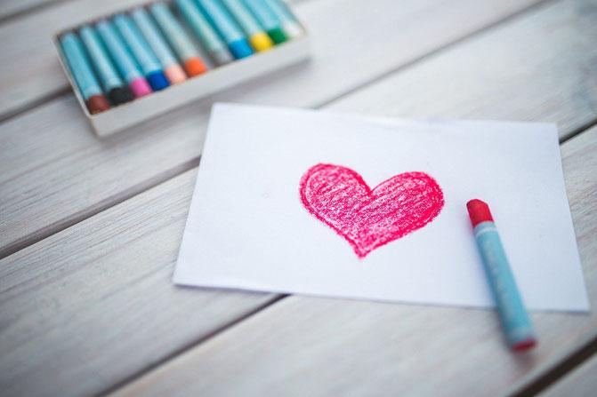 """Erinnern Sie sich immer wieder daran """"Ich liebe und achte mich selbst"""" (wenn es schon kein anderer tut - dann schenken Sie sich selbst die Wertschätzung, die Sie sich wünschen)."""