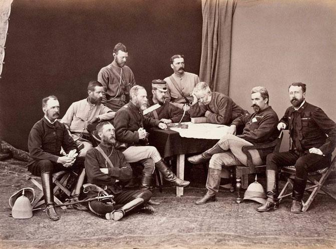 رابرتس و افسران قرارگاهش عکاسی: جان بروک John Burke می ۱۸۷۹