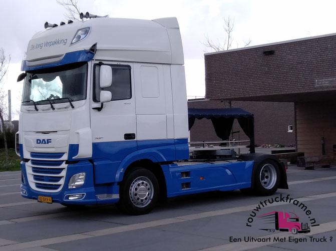 Uitvaart met truck