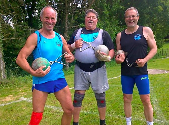Reinhard, Norbert und Klaus mit schweren Gerätschaften!