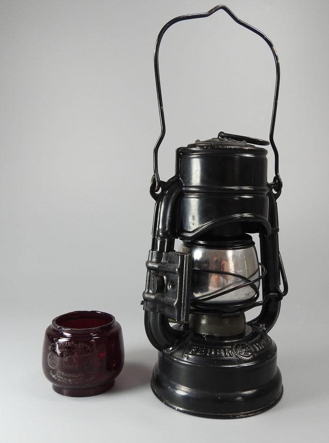 Feuerhand Atom 75 STK - 'F' with Tin reflector and bracket.
