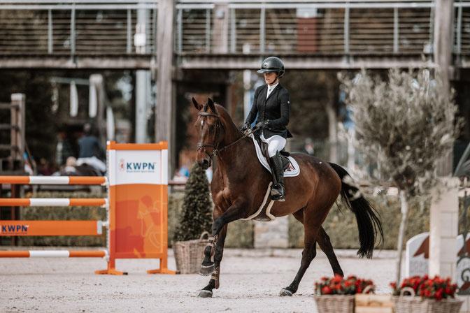 Wendy Scholten & Jocelyn Brown WS (Montender). Photo Dirk Caremans