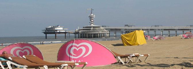 Liegen am Strand von Scheveningen