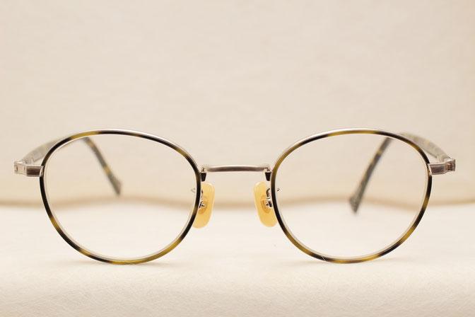 ミル打ち加工が施されたメガネ、さっそくお買い上げいただきました