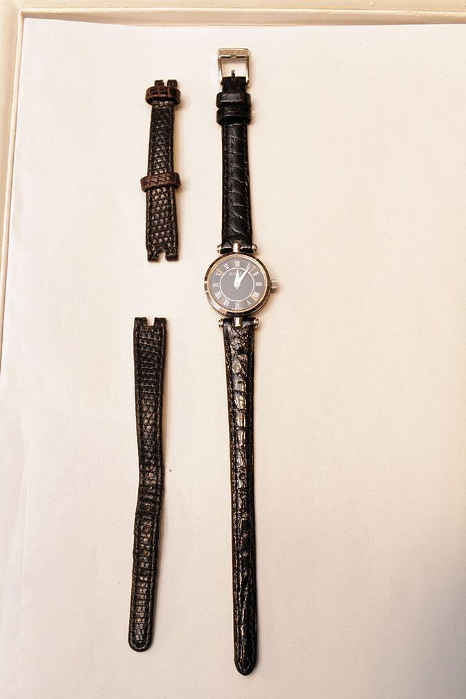 07ad72a4c3 お財布でも人気のグッチ 他で断られやすいGUCCI腕時計の革バンド交換依頼 ...