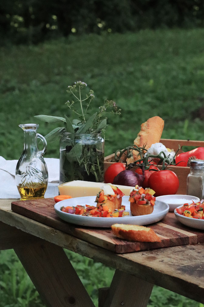 Salsa auf einem Tisch