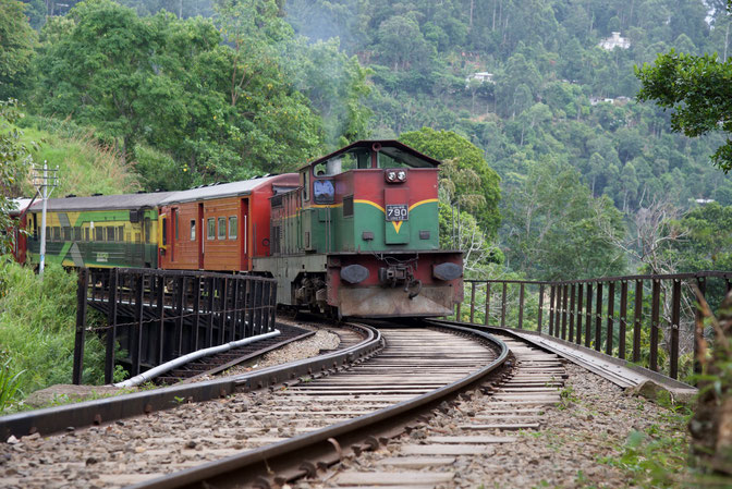 Train in Ella, Sri Lanka - Nussbaumer Photography