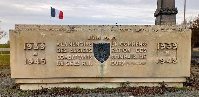 Stèle de Dury (source www.wikiwand.com)