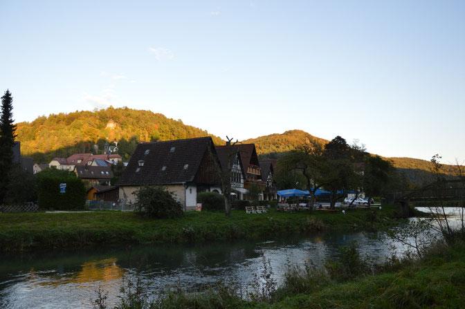 Muggendorf an der Wiesent , mit Pavillon im Abendlicht