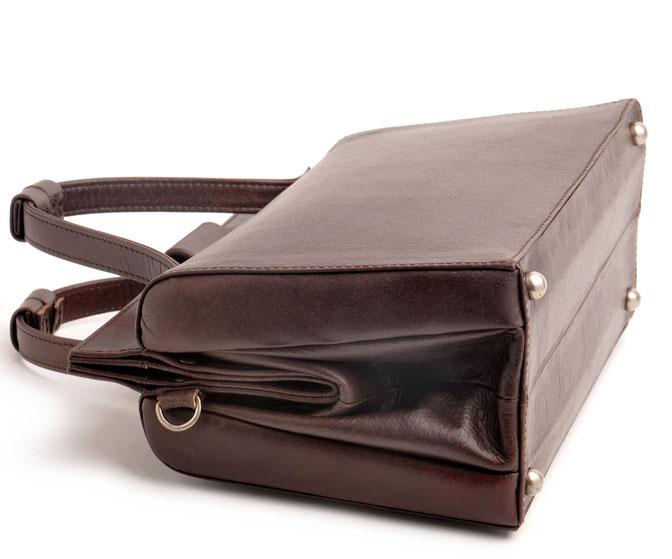 nostalgische Dirndltasche Trachtentasche  aus echtem Leder versandkostenfrei . OWA Handarbeit Ledermanufaktur