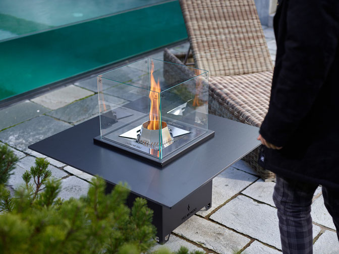 Pelmondo Feuermöbel Feuer Pellets Edelstahl fireplaces Outdoor Living Wärme Cube Tischplatte Garten Terrasse Gastronomie Schreinerei Jertz Mainz