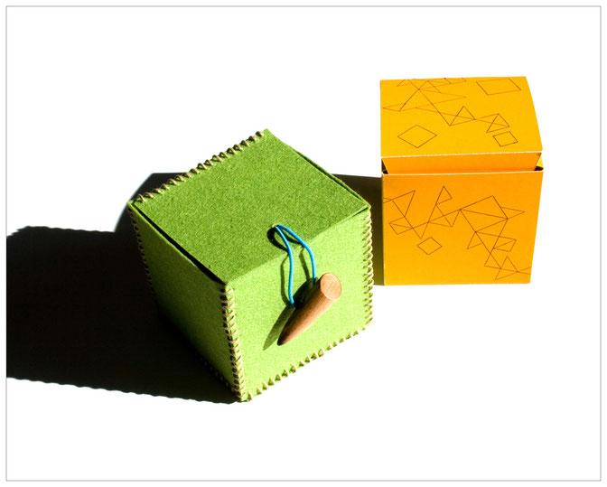 Ergebnisse aus spielerischem Umgang mit geometrischen Formen; entwickelt und gebaut im Rahmen eines Seminars.