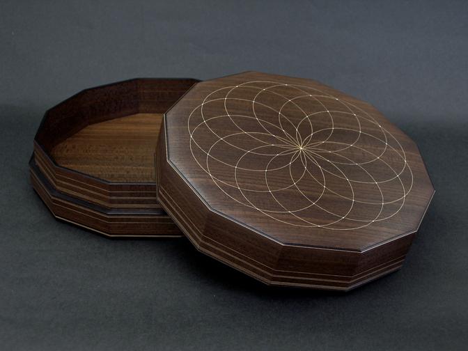 神代欅彩線象嵌合子 第61回日本伝統工芸展出品作品