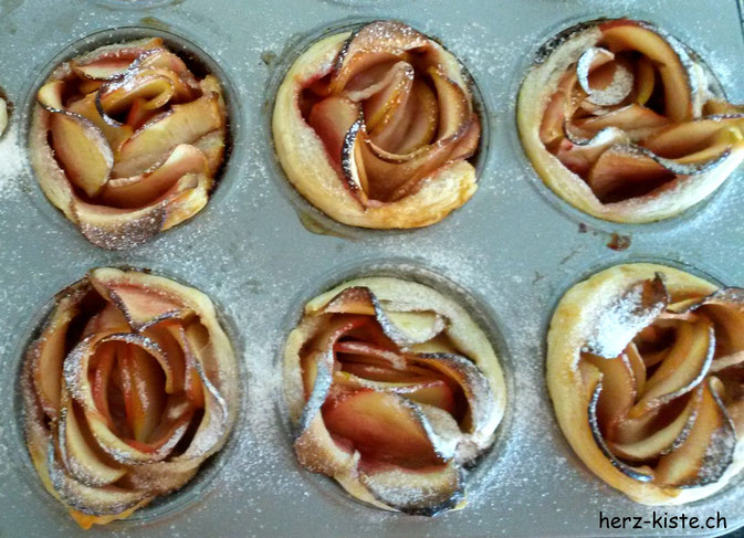 Apfelrosen gebacken im Muffinblech