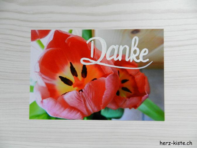 Danke Postkarte gelettert mit Tulpe