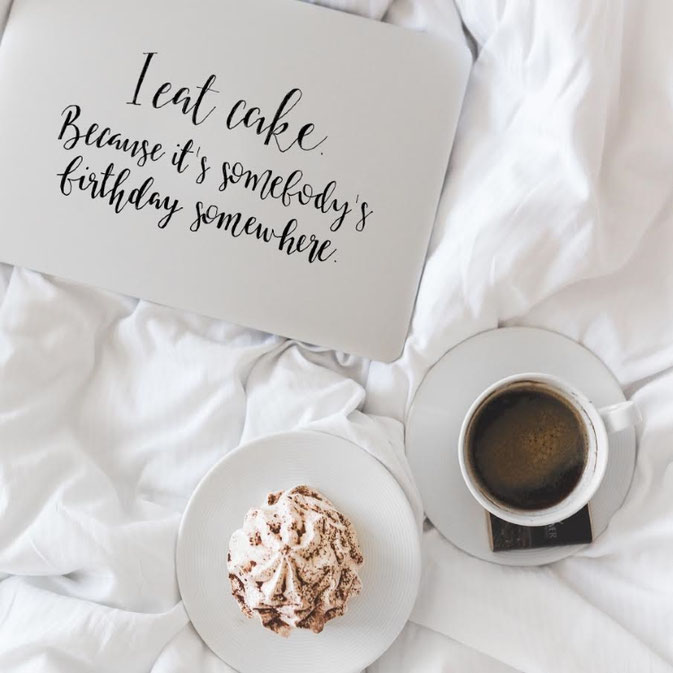 Letter Lovers frau_mesas: Handlettering I eat cake. Because it's somebody's birthday somewhere.