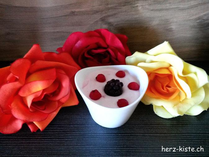 Rezept für eine schnelle und einfache Beeren Creme