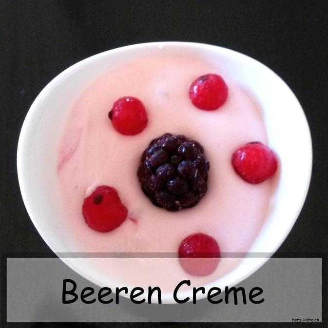 Rezept für eine einfache und schnell gemachte Beeren Creme