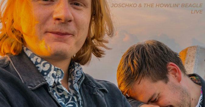 Foto der beiden gutgelaunten Musiker