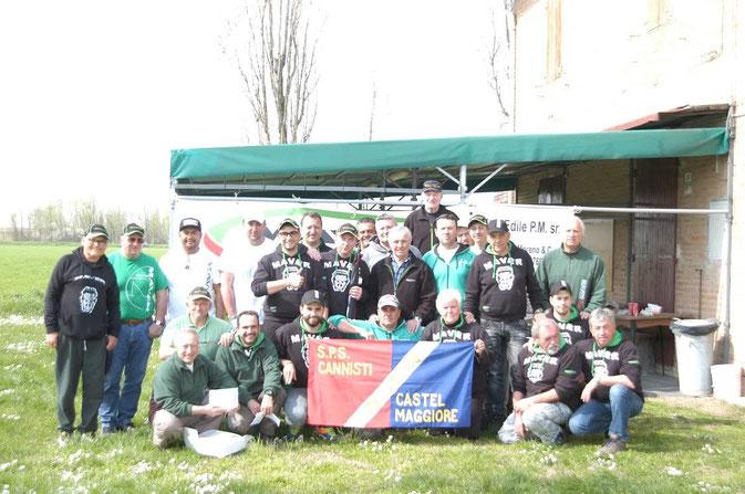 """Foto di gruppo dei soci della Cannisti Castel Maggiore che hanno partecipato alla gara """"Memorial Valerio Manini"""" del 20 marzo 2016."""