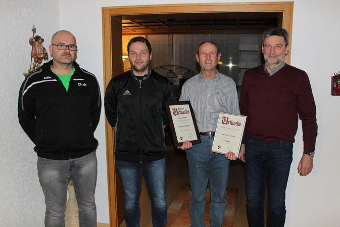 v.l.n.r.: Jugendleiter Christian Bronold, Abteilungsleiter Fußball Gerhard Baier, Alois Schmid, Vorstand Johann Hutzler