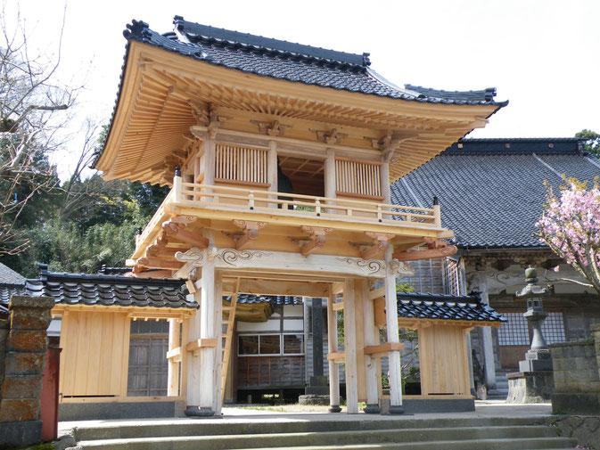 正願寺鐘楼門(平成27年 能登島 野崎町 )