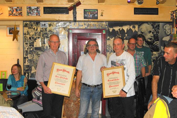 v.l.: Hans Edenstrasser, Obmann Toni Praxmarer, Romulad Binder