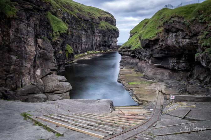 Färöer / Faroe Island, Gjógv, Hafen, Langzeitbelichtung, 2017, © Silly Photography
