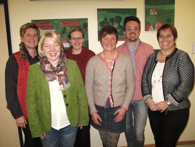 Sie bilden den neuen Vorstand des Schulackervereins: (vorne von links) Schriftführerin Susanne Fundin, Vorsitzende Beate Illbruck, Beisitzerin Katharina Lommel-Mank sowie (hinten von links) stellvertretende Vorsitzende Michaela Fischer, Beisitzerin Chris