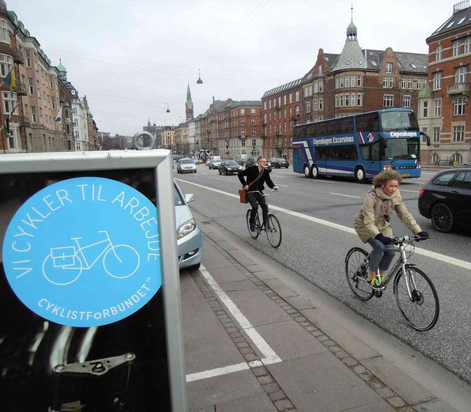Rushhour in Kopenhagen: Morgendlicher Berufsverkehr auf dem H.C. Andersen Boulevard