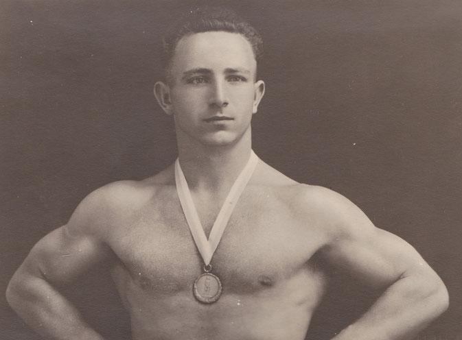 Ernst Kolb mit dem 3.Platz auf der EM 1934 in Paris