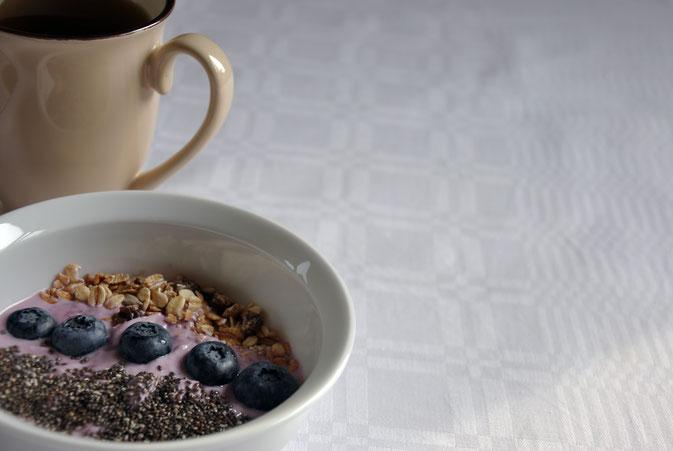 3 Tipps für einen guten Morgen Müsli Chia Heidelbeeren Tee Modeblog Fairy Tale Gone Realistic Passau Niederbayern