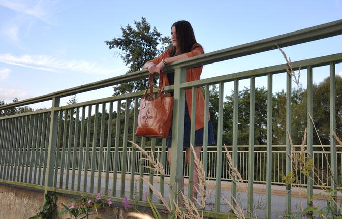 oranger Oversize-Blazer Jeansrock Outfit Modeblog Fairy Tale Gone Realistic Fashionblog Passau München
