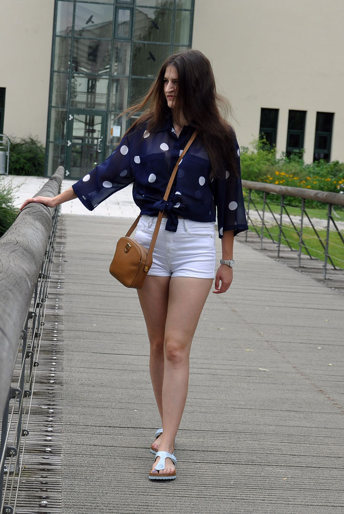 Second Hand Sommer Outfit Birkenstock Shorts Modeblog Fairy Tale Gone Realistic Fashionblog Deutschland