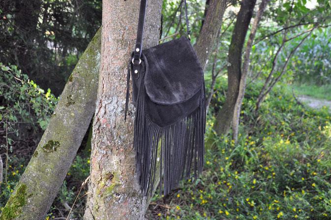 Fransen und Pferdehaar Bloggeroutfit Fjordpferd Modeblog Fairy Tale Gone Realistic