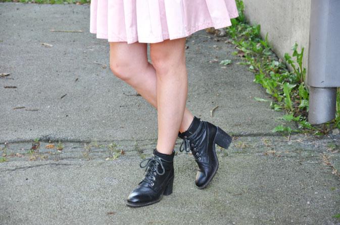 Outfit selbstgenähter Rock plus Streifentop Modeblog fairy tale gone realistic fashionblog Passau Niederbayern Nähen München OODT