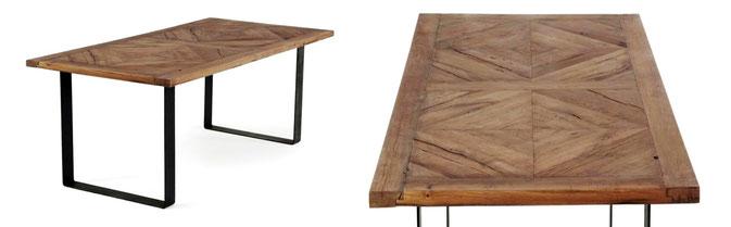 Esstisch mit rustikaler Tischplatte und Stahlgestell