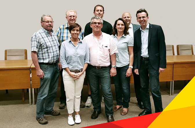 """. . . von links nach rechts, obere Reihe: Herbert Förster, Hans Schnäpp, Albert Blum, Manfred Speuser; untere Reihe: Nadine Heuser, Hans-Willi Maaßen, Angelika Dreikhausen und Vorsitzender Andreas Becker."""""""