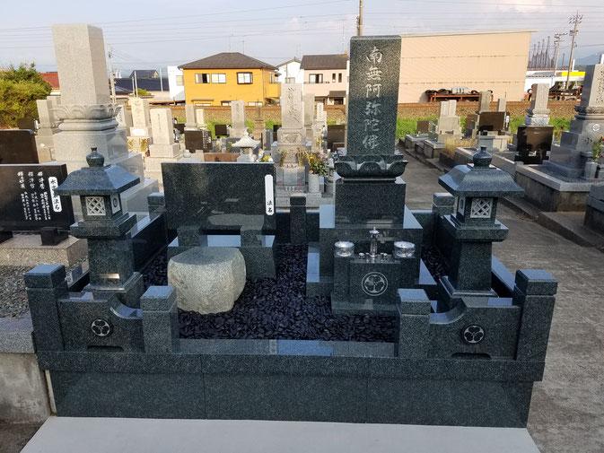 岡山県産材 備中青みかげを使用した墓石