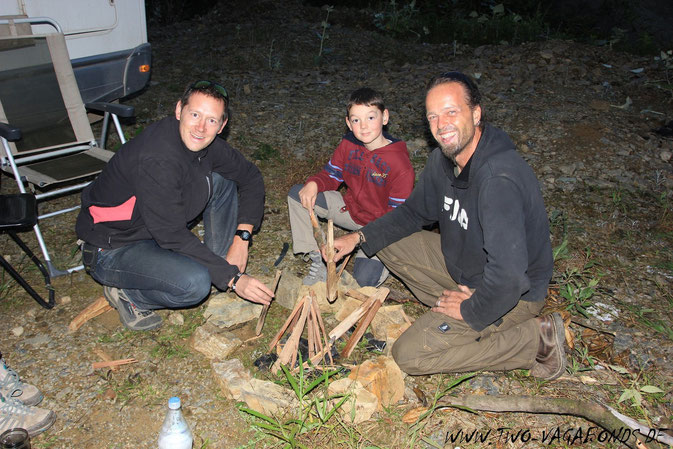 THE FIREMAKERS / THOMAS, CHARLIE & OLAF