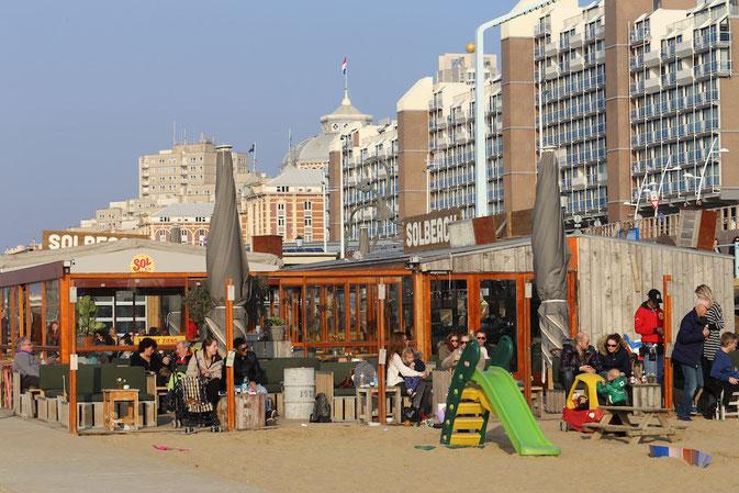 Kinderfreundlich: Solbeach am Boulevard von Scheveningen