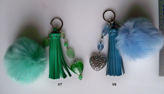 """""""Pompon COEURS""""  : à utiliser en bijou de sac ou porte-clefs - 10.00 € - fourrure peluche et pompon cuir"""