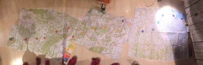 Karte mit Wegmarkierung