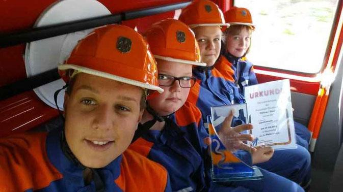 Bild: Jugendgruppe der Feuerwehr Pölling 2015