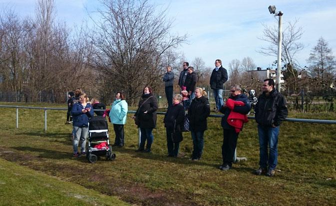 Bei Wind und Wetter dabei : Die Fans von Arminia Ickern
