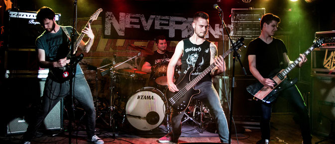 NeverKnow - Live at MTC 23.5.2015 (photo by Florian Bluhm)